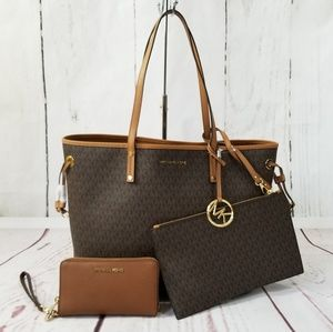 MICHAEL KORS Drawstring Jet Set Travel Tote Bundle